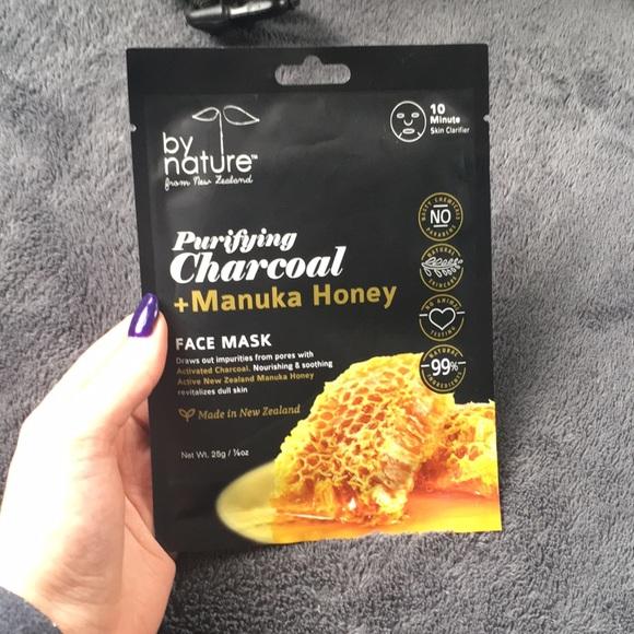 Purifying Charcoal and Manuka Honey Face Mask